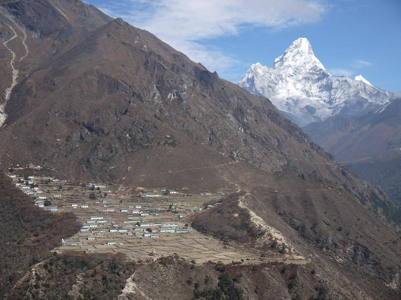 Phortse village (3.810 m)