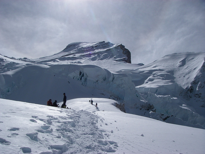 Towards ice cliff above C1 (20.833ft/6.350m) – Cho Oyu (26,906ft/8.201m) above