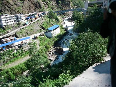 Kodari and International Friendship Bridge - Nepal/China border (1.770m = 5,807ft)