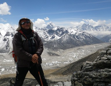 View from Kala Patthar (5.550 m = 18,209 ft) towards the south and Ama Dablam (6.856 m =  22,494 ft).