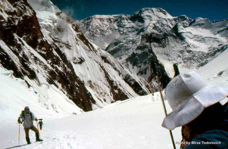We are now close to Camp 3. Gafa is coming behind me. Naim is on the right, enjoying the great view to Peak Pobeda.
