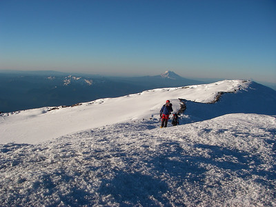 Mt Adams on horizon (12,276ft = 3742m)