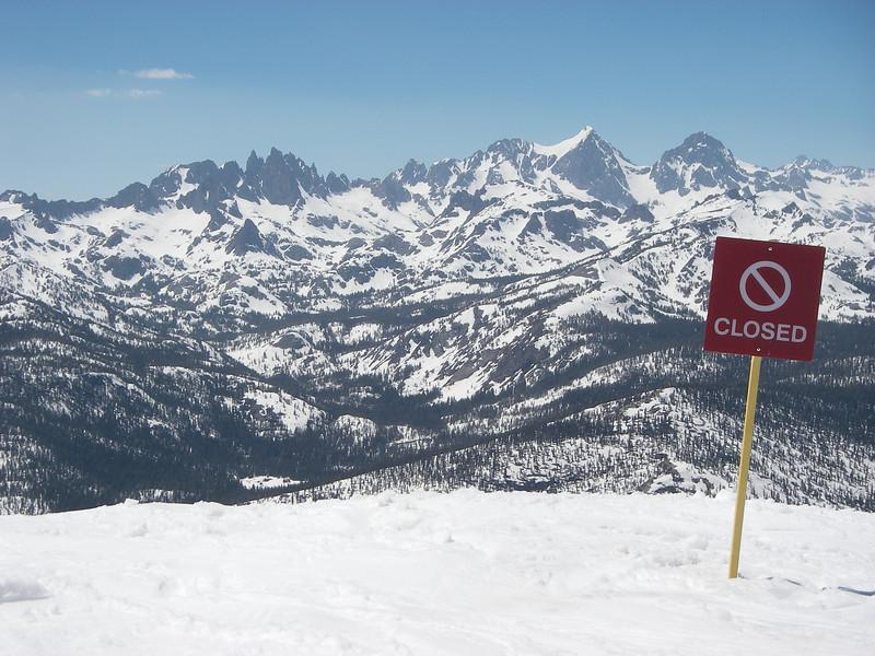 Mamooth Mountain Ski Resort - 3,500 acres of skiable terrain.