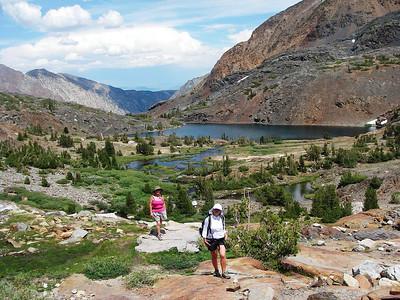 Helen Lake (3.079m or 10,101ft) is behind us