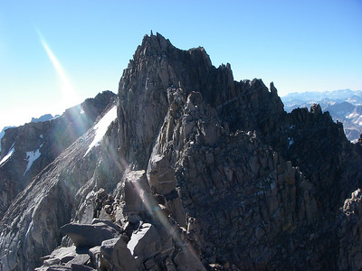 The views from the summit are incredible - towards North Palisade and Mount Sill on south side.