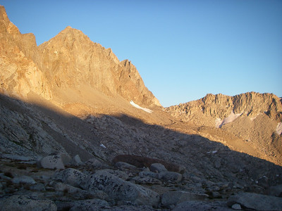 This approach contains a longer cross country portion skirting Mount Agassiz and Mount Winchell towards Thunderbolt Pass (on horizon)