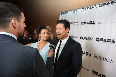 Mario Lopez with wife Courtney at the 2013 NAHAs