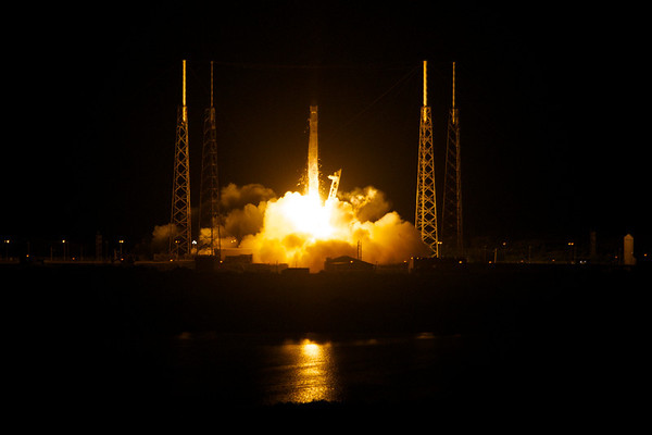 Launch of SpaceX Falcon, 1st Commercial Cargo Flight to International Space Station