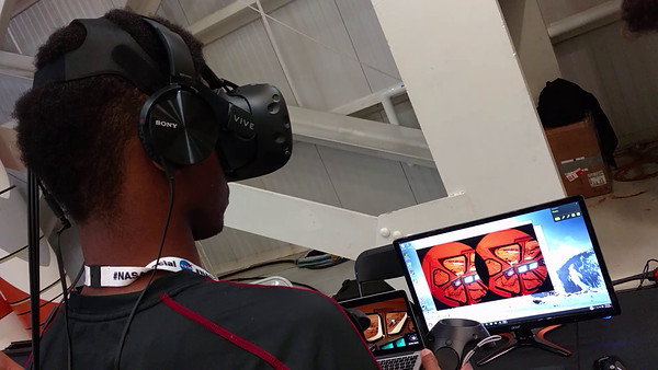 Video: Virtual Reality Demo on NASA Mars Day