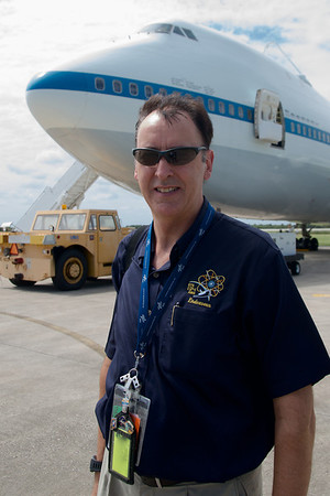 NASA Media Events Involving Endeavour Departure