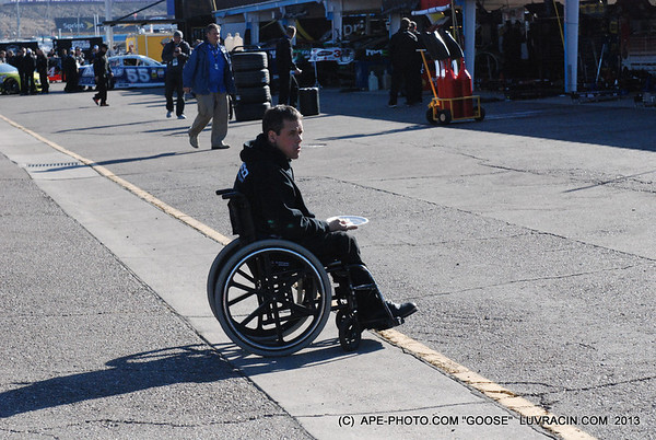 NASCAR-PIT-INSPT-FRI-03-01-13