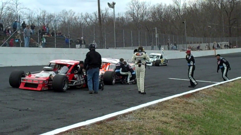 Andy Seuss Wins NWSMT The Spring Classic Caraway Speedway 3 14 10