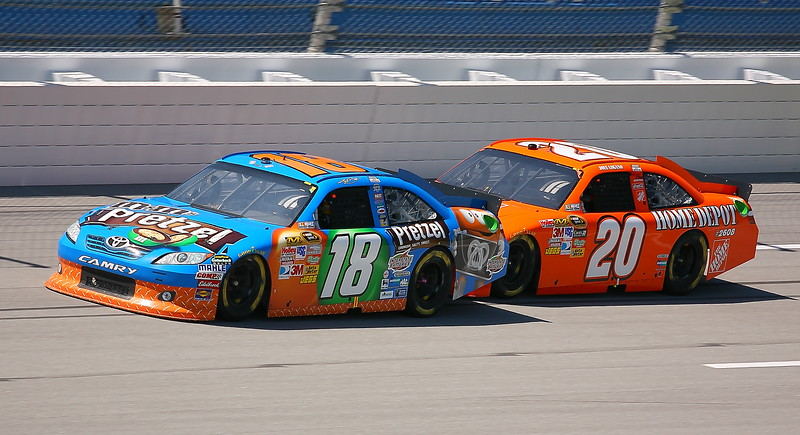 Kyle Busch being pushed by Joey Lagona at Talladega