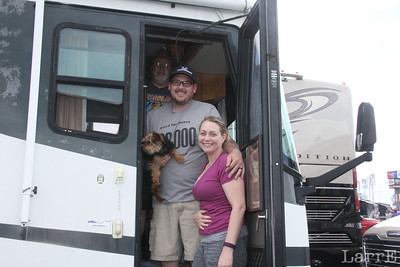 Danny and his daughter Gina ...son-in-law and dog-in-law. They'll be staying in the motor home all week. See next week kids.