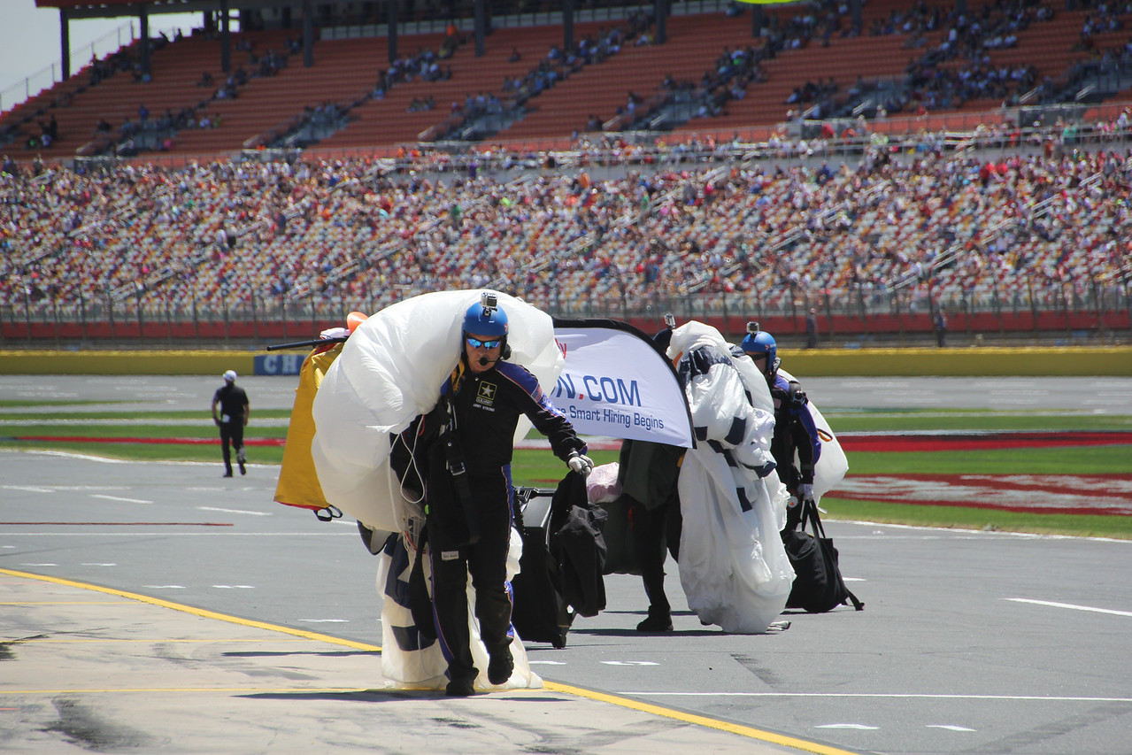jumpers pack up to leave