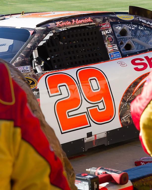 Kevin Harvick Talladega Pit Stop During NASCAR Amp Energy Juice 500.