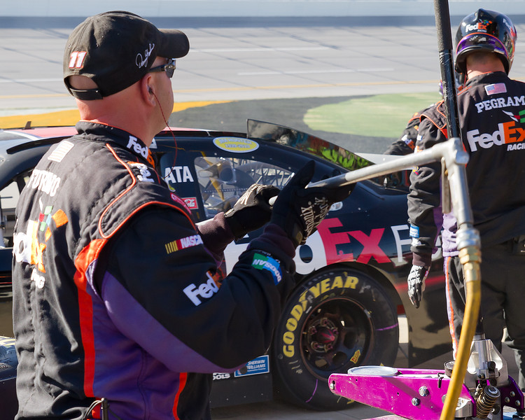 Hamlin Team Members Furino and Peagram During AMp Energy Juice 500 Pit Stop