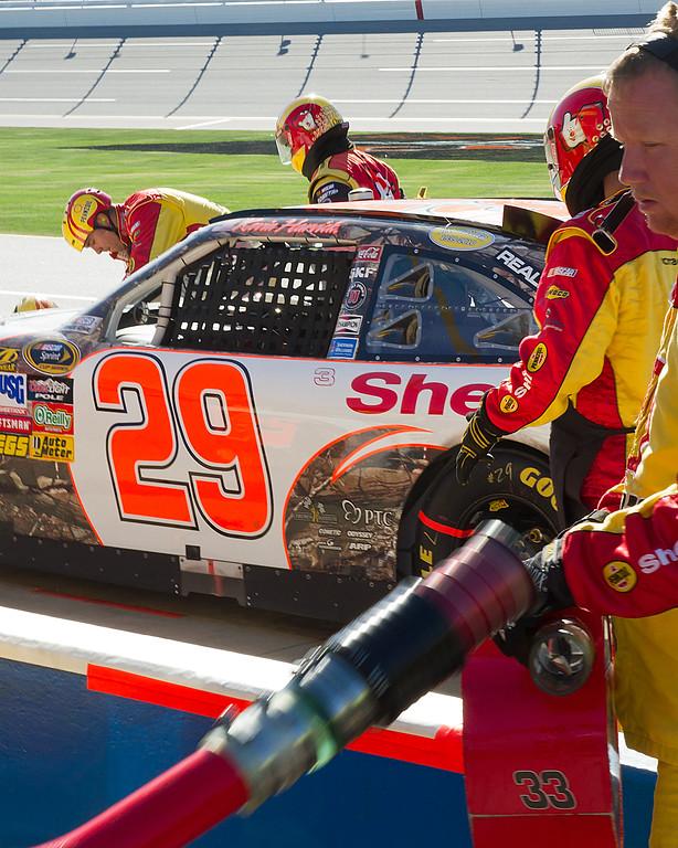 Harvick's Team Making Body Repairs to No. 29 Car During Pit Stop at Talladega Amp Energy Juice 500