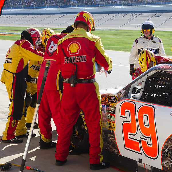 Kevin Harvick Crew Makes More Tape Repairs to the Body of No. 29 Amp Energy Juice 500 Talladega