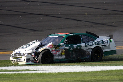 DY-NW300-ARI-IMG_7966-Trevor Bayne caught up in multi-car  wreck