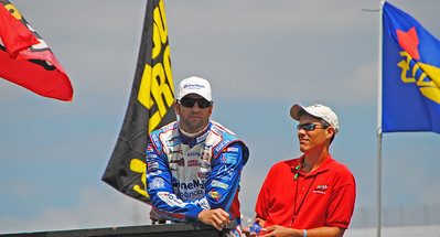 Elliott Sadler #2 car  surveying the field before qualifying