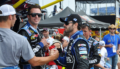Jimmie Johnson pumping up the crew
