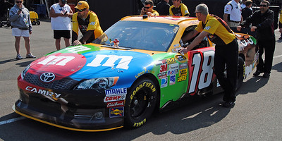 18 Kyle Busch car going to Tech