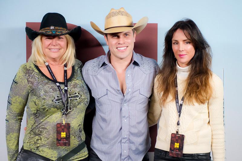Kate Gentile, Dustin Lynch, Leigh Birch