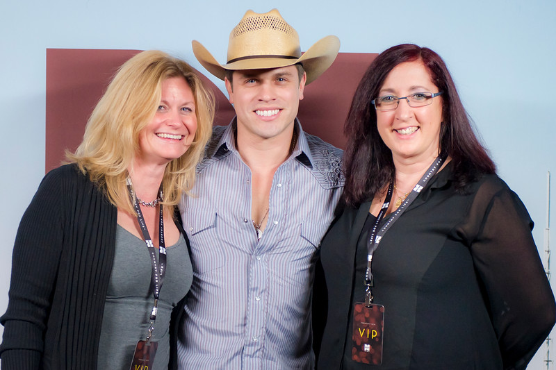 Nash bash 1 meet and greet october 7 productions maggie sisco dustin lynch iniona brennan m4hsunfo