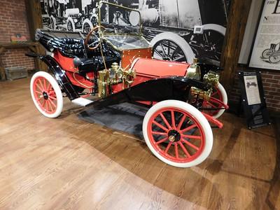 1910 Hupmobile Runabout.