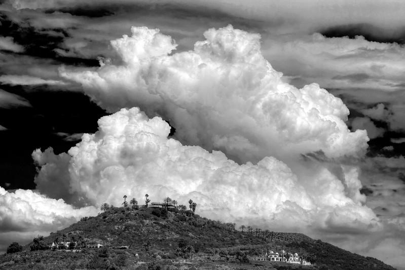 Cumulonimbus, Escondido