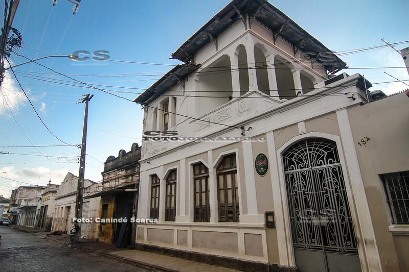 Consulado, bar e restaurante