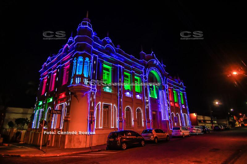 Palácio Felipe Camarão com iluminação natalina