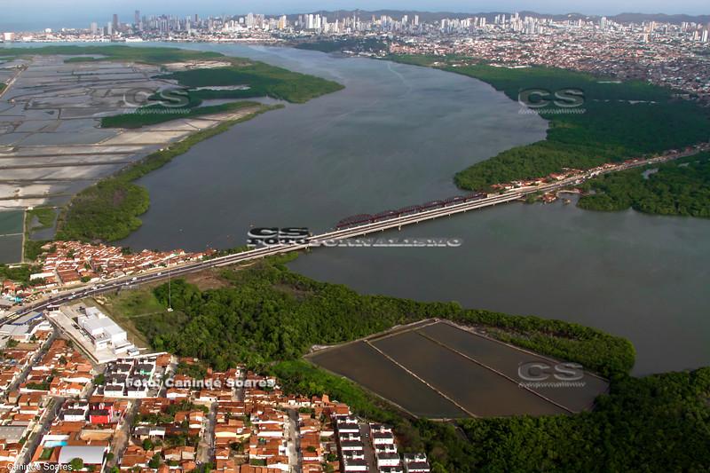 Ponte de Igapó e rio Potengi