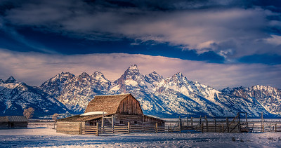 Early Mormon homestead photographed along Mormon Row Historic district with Grand Tetons in the background. Grand Teton National Park is in the northwest of the U.S state of Wyoming. It encompasses the Teton mountain range, the 4,000-meter Grand Teton peak, and the valley known as Jackson Hole. It's a popular destination in summer for mountaineering, hiking, backcountry camping and fishing, linked to nearby Yellowstone National Park. #teton #homestead #mormonRow Be sure to check those TAGGED IN MY IMAGE. Great photographers. CLICK the image to see who they are. Thanks to the following pages for recently featuring my work. I very much appreciate you. Be sure to follow these great pages: @frankpaliphotography  @Wildlife.hd @earthfever @igscwildlife