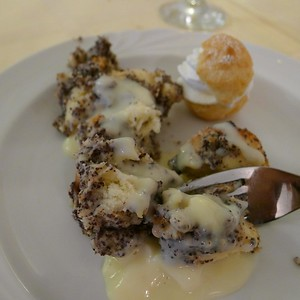 Bread pudding with poppy seeds