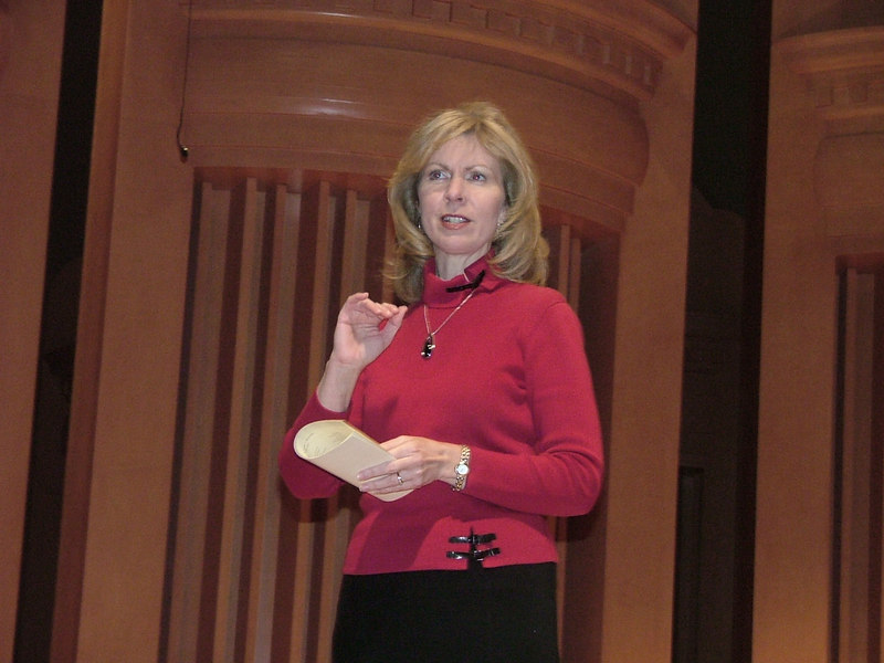 Dr. Toni Anderson, Georgia NATS President, welcomes faculty, students, and friends to the 2007 Winner's Recital.