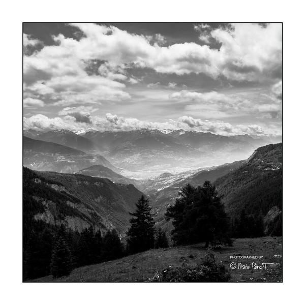 Perpendiculaire sur la vallée du Rhône