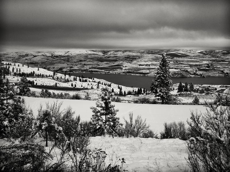 River in Winter -- Chelan, Washington (December 2010)