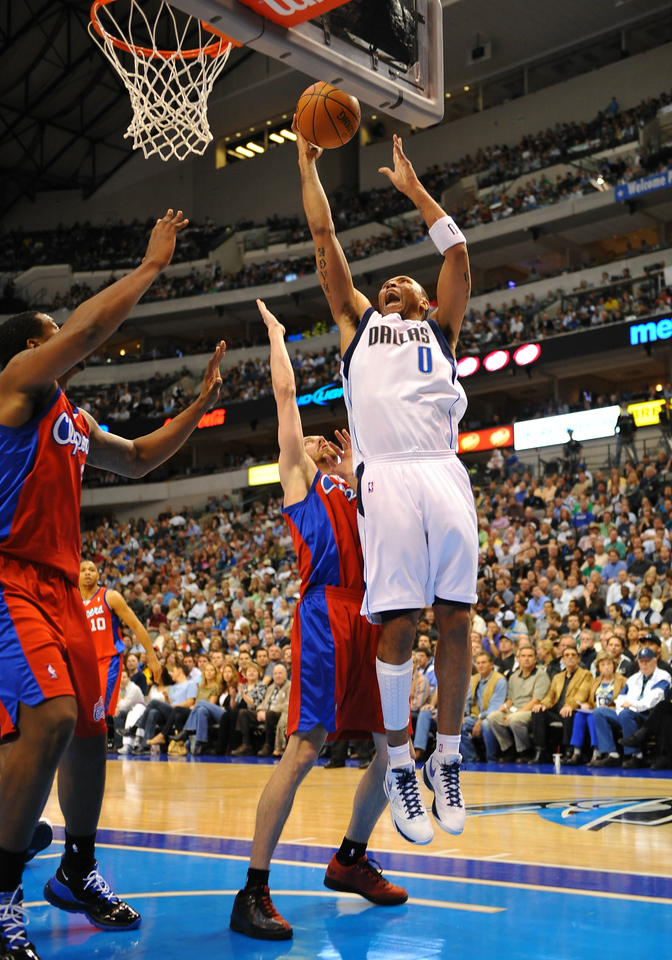 March 23rd, 2010  <br /> Dallas Mavericks forward Shawn Marion #0 drives to the basket<br /> in a game between the Los Angeles Clippers and the Dallas Mavericks at the American Airlines Center in Dallas, Texas.<br /> Dallas wins 106-96