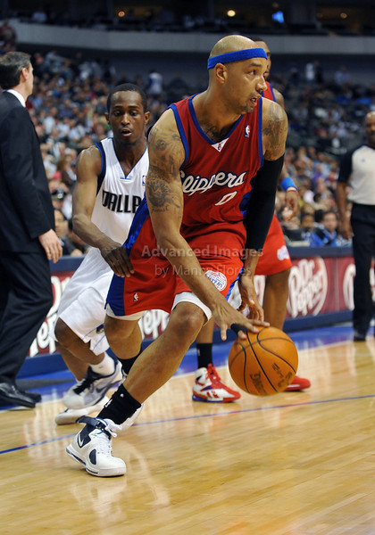 March 23rd, 2010  <br /> Los Angeles Clippers forward Drew Gooden #0 drives to the basket<br /> in a game between the Los Angeles Clippers and the Dallas Mavericks at the American Airlines Center in Dallas, Texas.<br /> Dallas wins 106-96