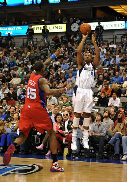 March 23rd, 2010  <br /> Dallas Mavericks forward Caron Butler #4 shoots a 3 pointer<br /> in a game between the Los Angeles Clippers and the Dallas Mavericks at the American Airlines Center in Dallas, Texas.<br /> Dallas wins 106-96