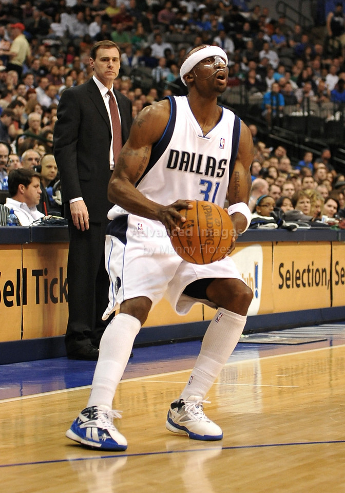 March 23rd, 2010  <br /> Dallas Mavericks guard Jason Terry #31 looks to shoot the ball<br /> in a game between the Los Angeles Clippers and the Dallas Mavericks at the American Airlines Center in Dallas, Texas.<br /> Dallas wins 106-96