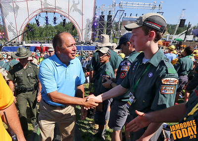 Gov. Tomblin Welcomes Scouts and Venturers