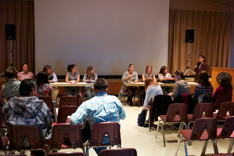 Students from Northampton and Diné College participate in presentations