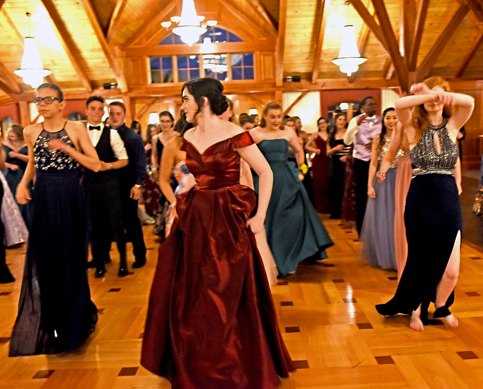 . NDA students dance it up at their prom at the Tewksbury CC. SUN/David H. Brow