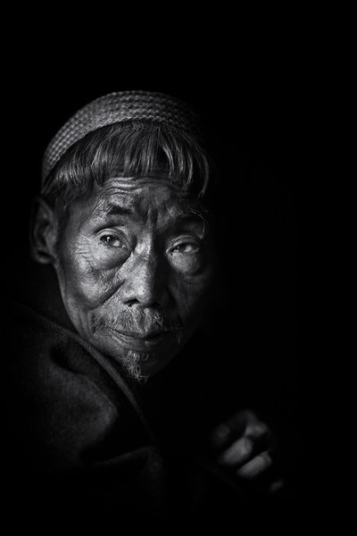 Tattooed konyak tribesman, Hongphui