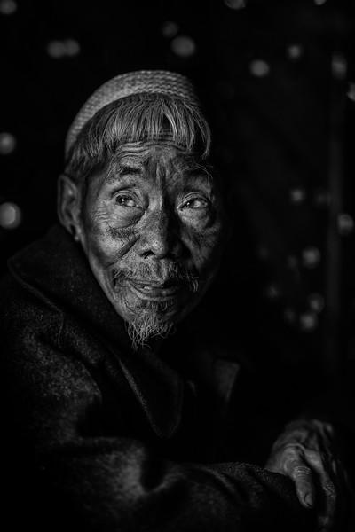 Elder of the Konyak tribe, Hongphui