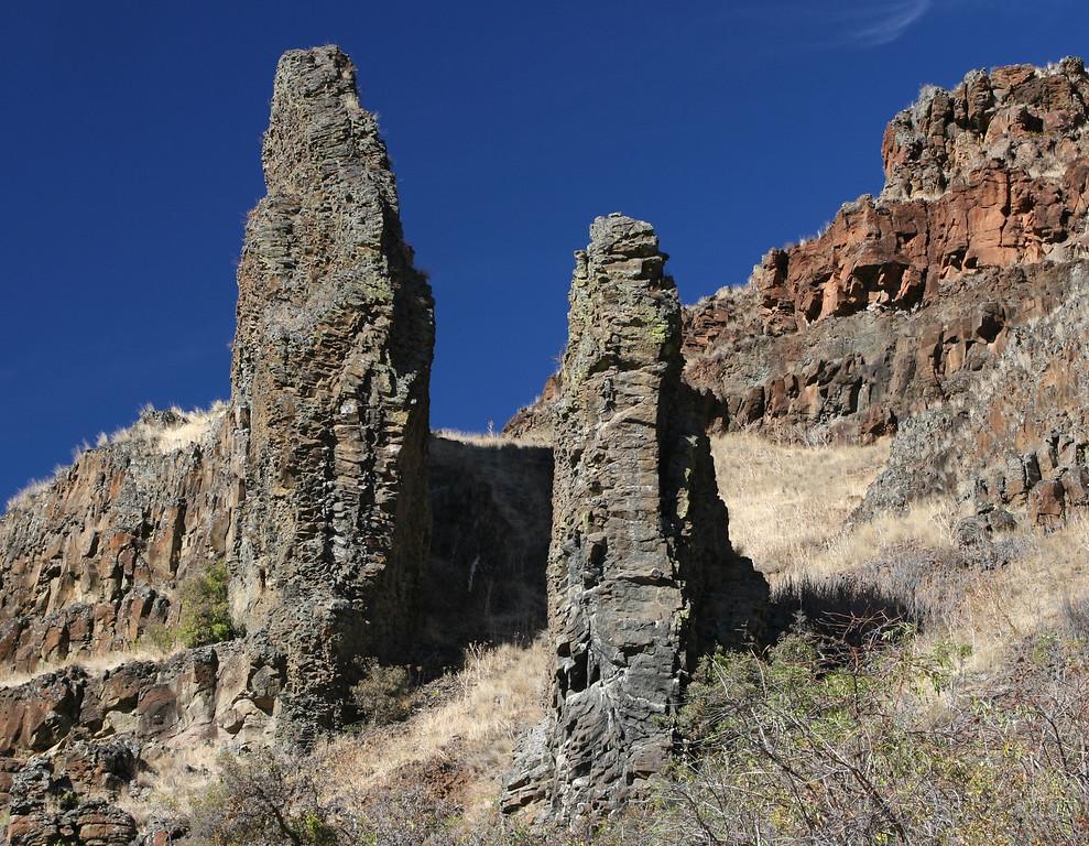Columbia River Basalt Dikes