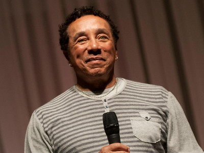 "lang=""washington, dc - march 02: smokey robinson speaks during a press conference and rehearsal at the duke ellington school of the arts on march 2, 2012 in washington, dc. (photo by kris connor/getty images)"" (null)"